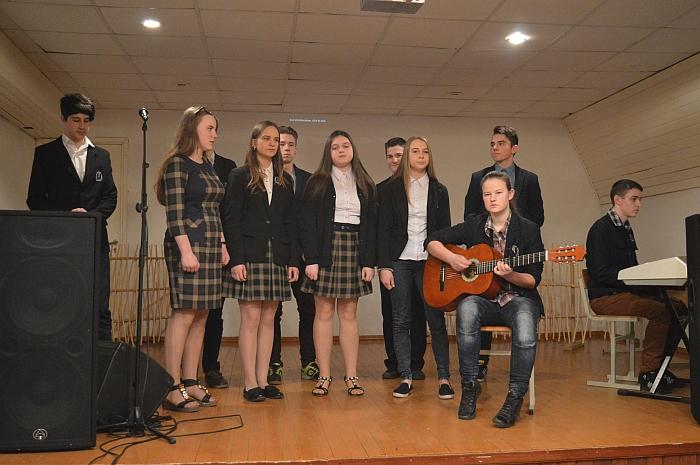 Musninkų Alfonso Petrulio gimnazijos mokiniai jautriai kalbėjo apie meilę.