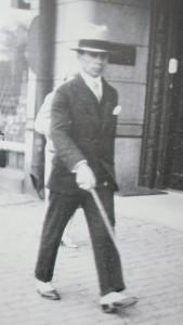 Ignas Šeinius žingsniuoja Stokholmo gatve.