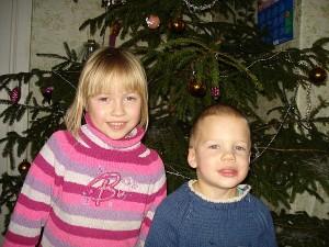 Nuo gaisro nukentėję tėvai pasirūpino, kad Rusnės ir Rūtenio širdelės pajustų Kalėdų šventę.