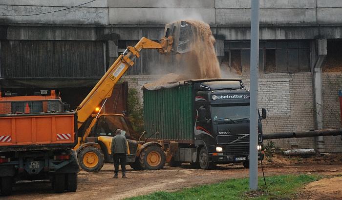 Teigiama, kad šalyje šilumos kainos didėjimui turėjo įtakos brangiau perkamas biokuras. Gal jis brango ir Širvintose, tačiau kol kas gyventojams parduodamos šilumos kainai tai įtakos nepadarė.