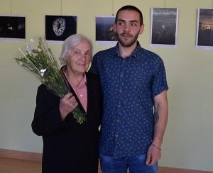 Simas Glumbakas su mylima močiute
