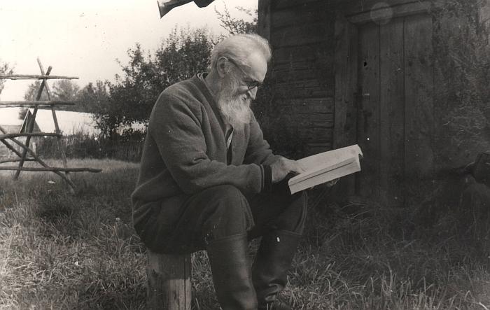 1983 m. rugsėjo 11 d. Kazimieras Skebėra gamtoje.