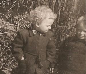 Jonui Stankevičiui - ketveri. Sutkiškių kaimas. 1958 m.