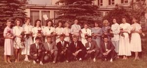 Su auklėtiniais prie Širvintų 1-osios vid. mokyklos. 1991 m.