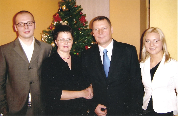Rita Stankevičienė su vyru Jonu, vaikais Pauliumi ir Migle. 2004 m.