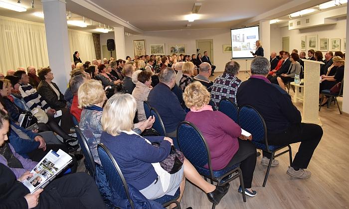 Į 2017 m. Širvintų rajono savivaldybės merės ir savivaldybės veiklos ataskaitos pristatymą gausiai susirinko rajono gyventojai.