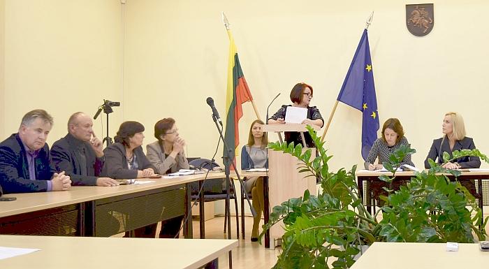 Priimant Avižonių krašto bendruomenei labai svarbų sprendimą Tarybos narys V. Mateika kažkodėl nusišalino.