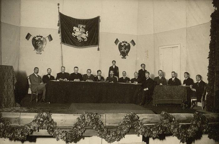 Lietuvių konferencijos Vilniuje (1917.09.18-09.22) prezidiumo ir sekretoriato nariai (epaveldas.lt).