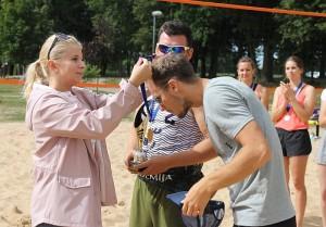 Apdovanojimus įteikė Savivaldybės administracijos direktorė Ingrida Baltušytė-Četrauskienė.