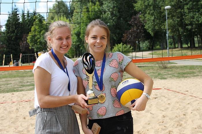 Lina Surgelaitė ir Aira Davidavičiūtė
