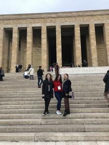 Mustafos Kemalio Atatiurko mauzoliejus. Kiekvieno turko pareiga yra nors kartą gyvenime čia atvažiuoti.