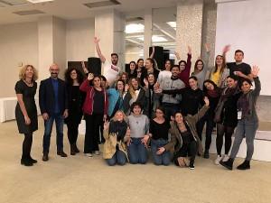 """Kartu su kitais savanoriais ir dėstytojais mokymuose. O pačius mokymus organizavo ir rėmė """"Turkish National Agency""""."""