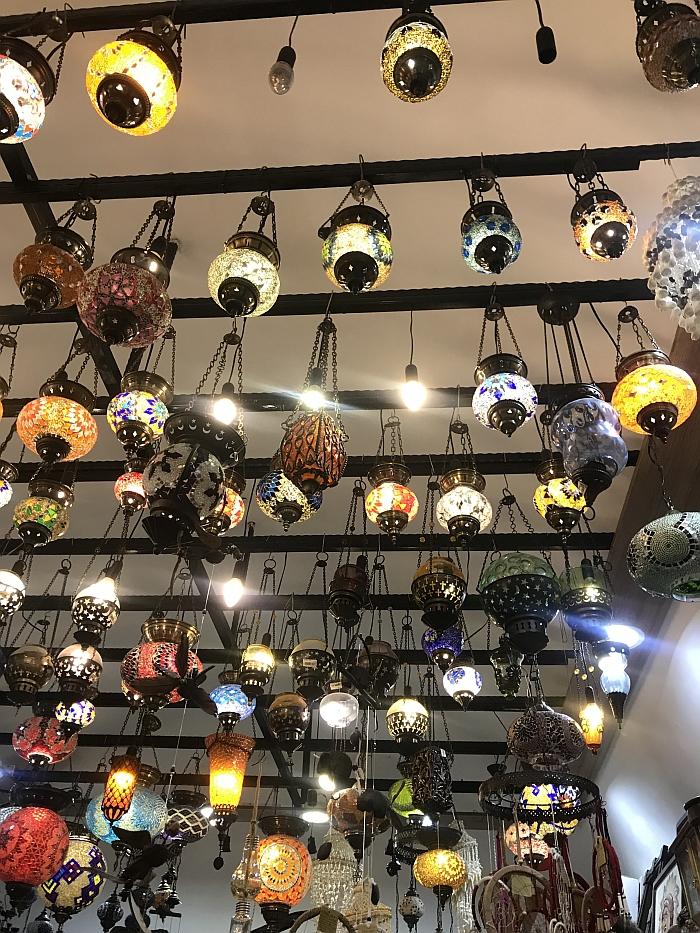 Tradicinės turkiškos lempos.