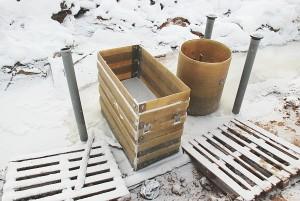 Subėgęs paviršinis vanduo pavirto ledu ir iškilo reali grėsmė žiemą atliekamų darbų kokybei.