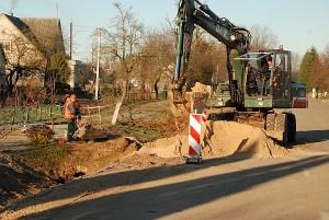 Šiuo metu vandentiekio ir nuotekų surinkimo tinklai tiesiami Širvintų kaime.