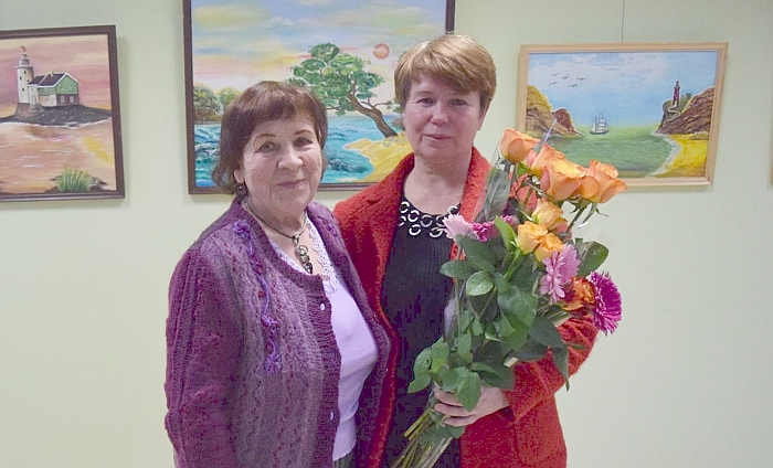 Aldona Vasiukevičienė (dešinėje) su bičiule Joana Zinkevičiene