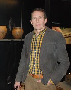 Valstybinio Kernavės kultūrinio rezervato direkcijos Mokslinių tyrimų skyriaus vedėjui doc. dr. Gintautui Vėliui gerai pažįstamas kiekvienas Kernavės archeologinės vietovės muziejaus eksponatas.