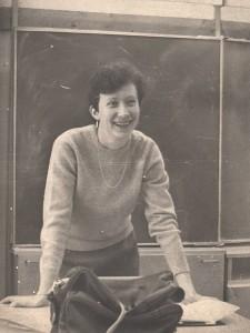 Mokytoja Vida Stakauskaitė pamokoje. 1987-02-18.