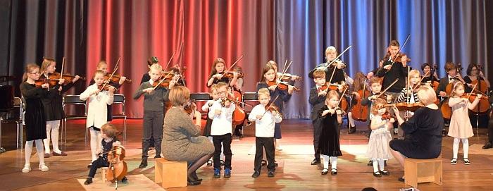 Vilniaus Suzuki metodo centro smuikininkai.