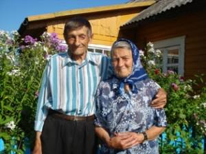 """Kunigiškių I kaimo gyventojai Kazimieras ir Bronislava Vyšniauskai: """"Gerai, kol dviese gyvename, vienas kitą palaikome ir prilaikome."""""""