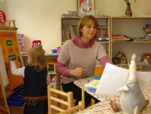 Su vaikais dirba auklėtoja Laima Čigienė.