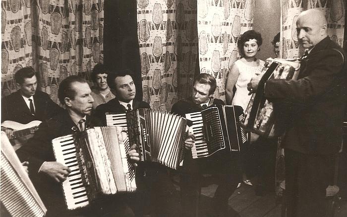 Koncertuoja Zibalų krašto saviveiklininkai.