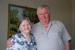 Genovaitė Zurzaitė - Varkauskienė su sūnumi Gvidu, atvykusiu aplankyti motinos į Širvintų parapijos globos namus.