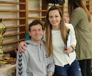 Sporto mokyklos direktorė Alina Zapolskienė ir futbolo komandų treneris Vytautas Skirmantas.